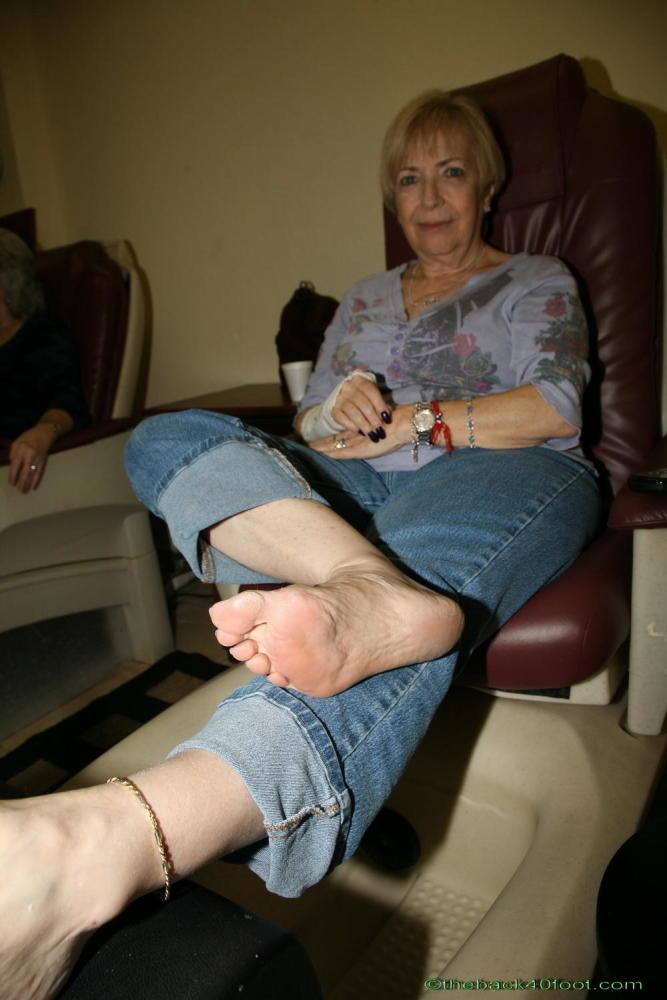 Only mAture Feet Soles 011 upskirtporn