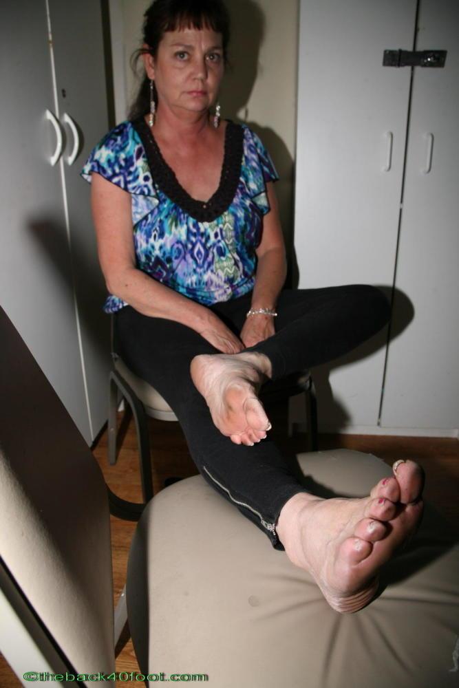 Only mAture Feet Soles 012 upskirtporn
