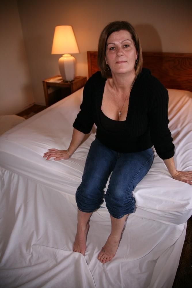 mature feet 14 upskirtporn