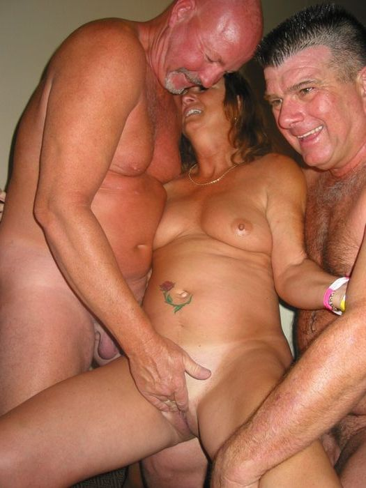 Mature swinger activity from Diane