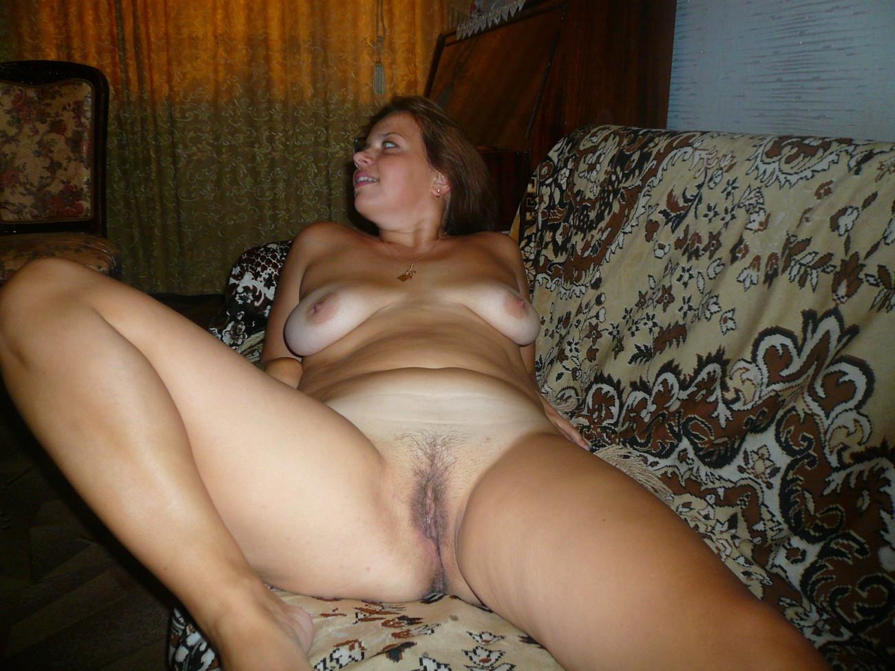 mature wifey Natasha naked and toying..