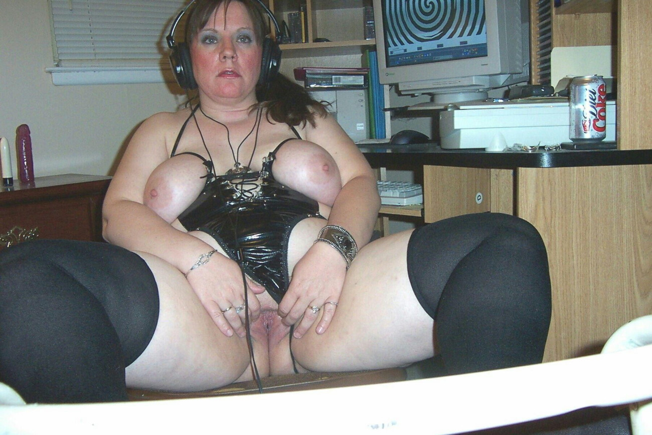 Mature and Plumper play in the weekend..