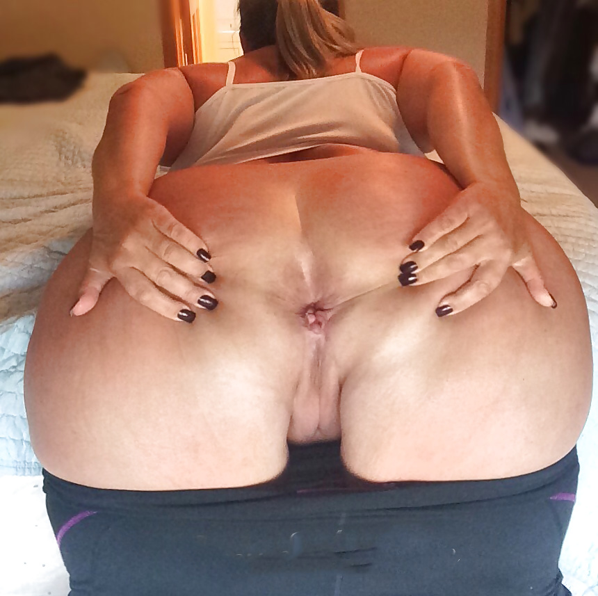 Hufe booty mature grandmothers and..