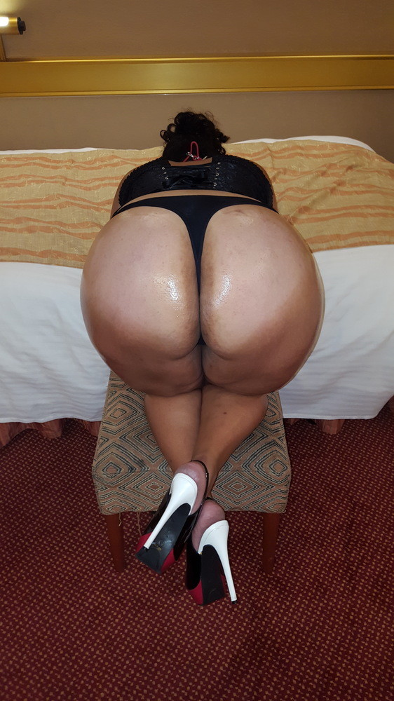 butt Porno  From Immense cabooses..