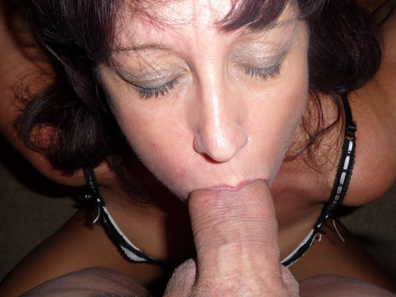 UK Cougar Wifey Deborah (50+) - PornHugo