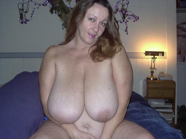 Mature Plumper Housewife