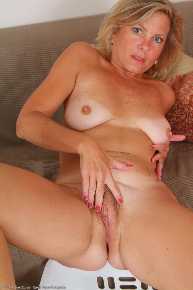 Old Blonde Naked