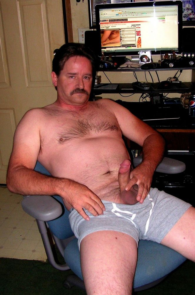 Mature masculines jacking and wanking..