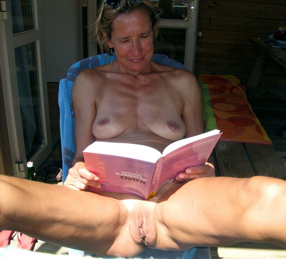 nymphomaniacs showcasing naked..