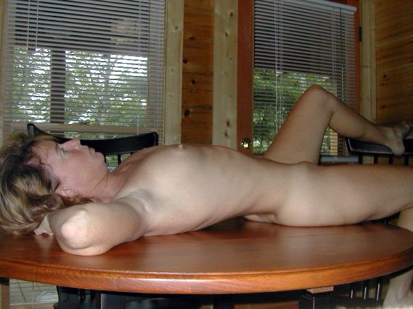 Naked wifes and mature ex gfs at work..