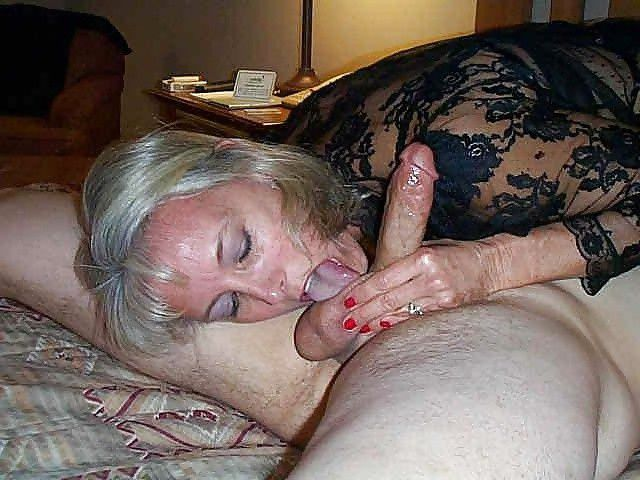Lonely ex-wife deep-throating..