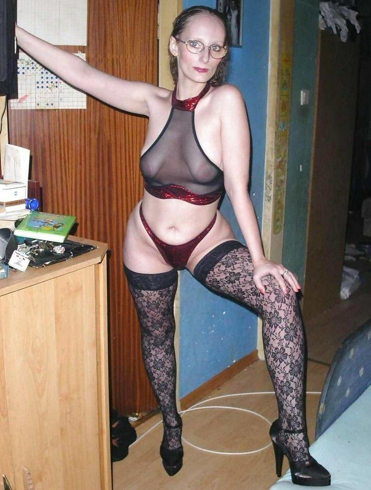 Super-naughty for hook-up mature wifey..