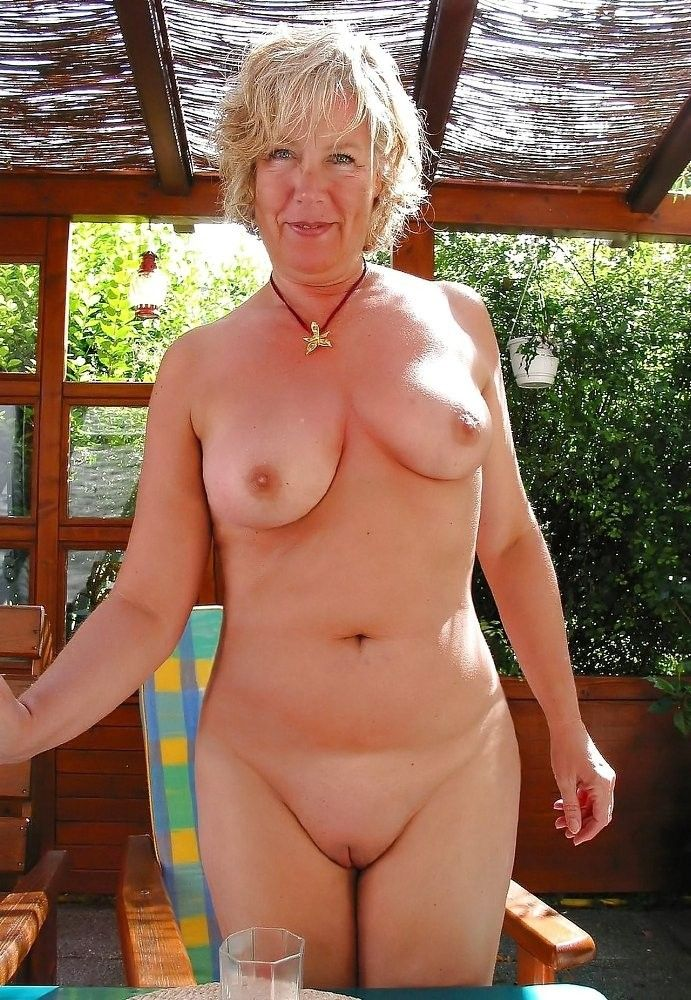 gals and moms naked, Mature Dolls..