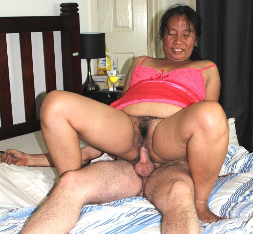 Thai mature slut  fur covered cootchie