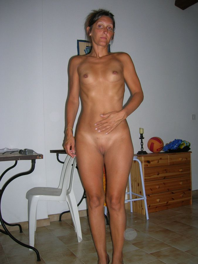 Super-naughty mature housewives  in..