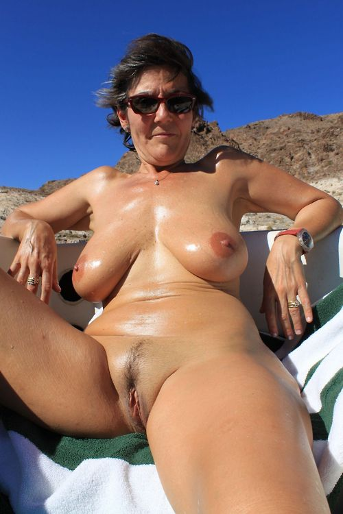 Fellow photographed some nude mature..