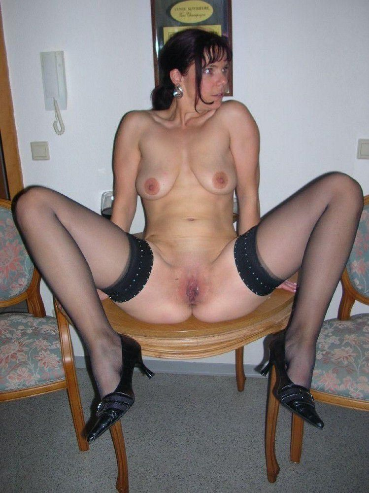 Mature women in the Stockings, vulva..