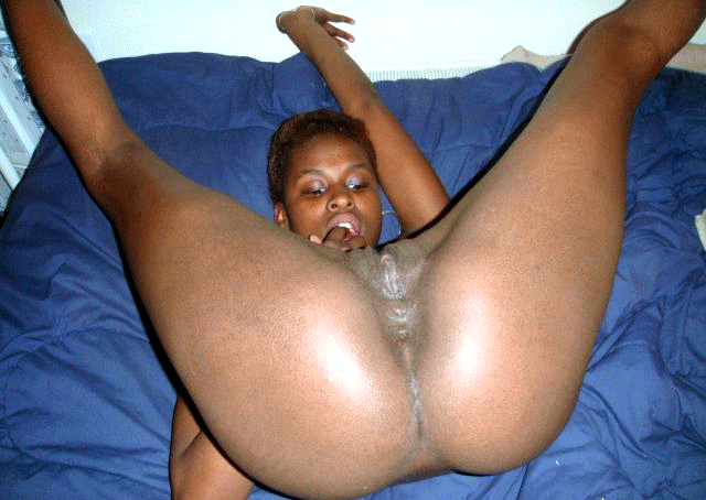 nude ebony breezy plays Getar