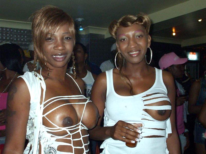 Amateur, dark-hued wifey posing bare..
