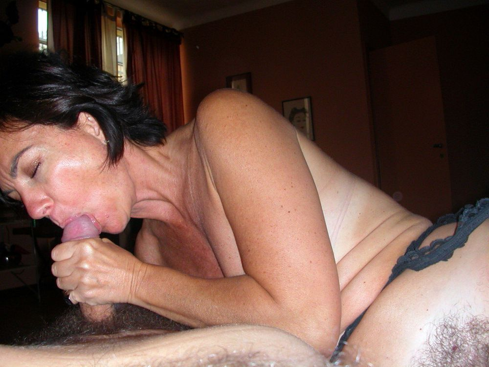 Huge-titted mature wifey in pantyhose..