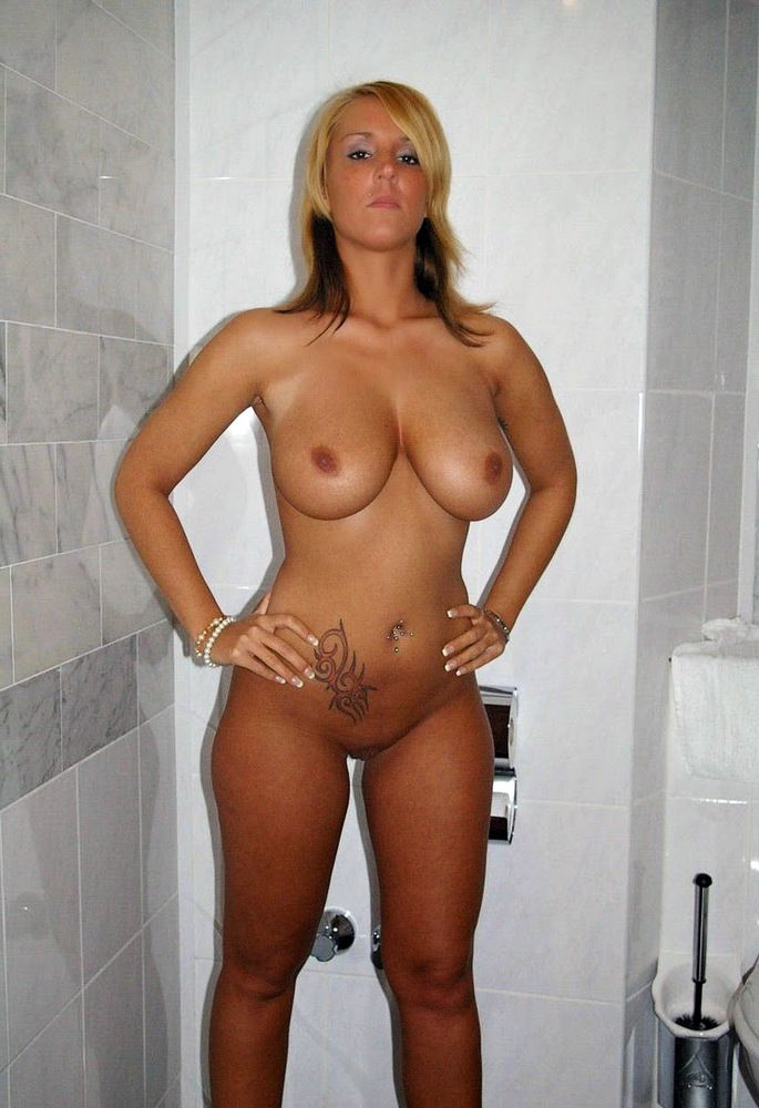 Hubby takes pics of his wifey naked in..