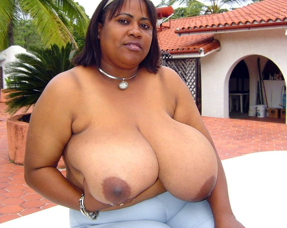 Mature african hoe Iris, uncovers her..