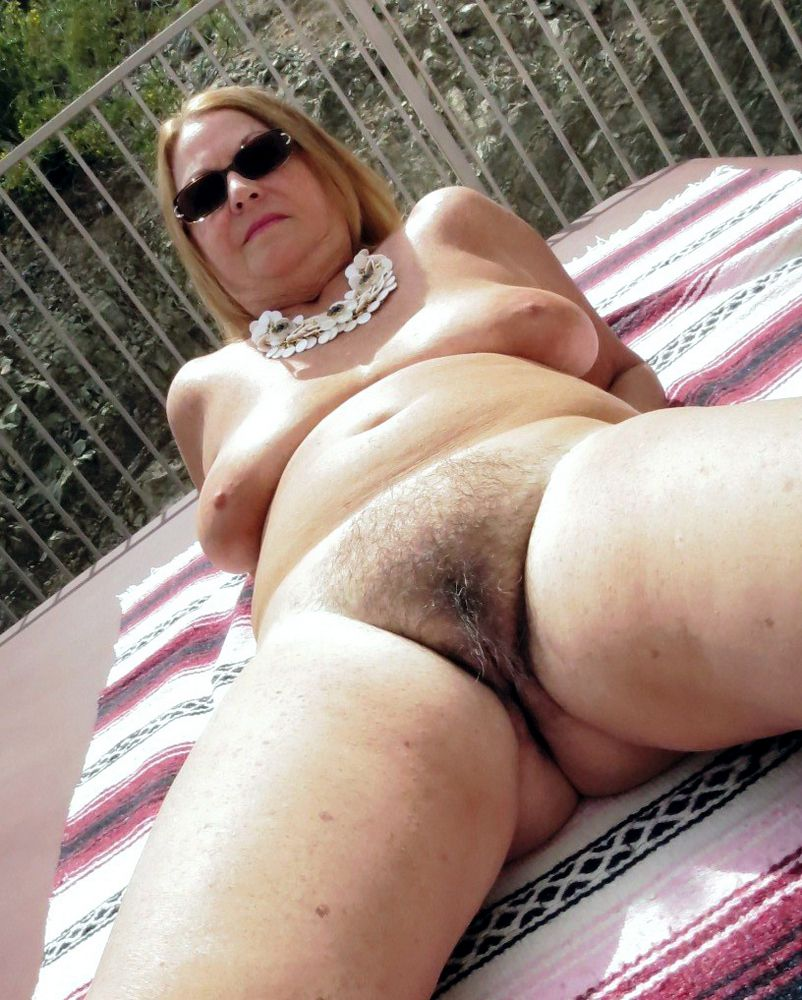Naked mature rural damsels at the rest