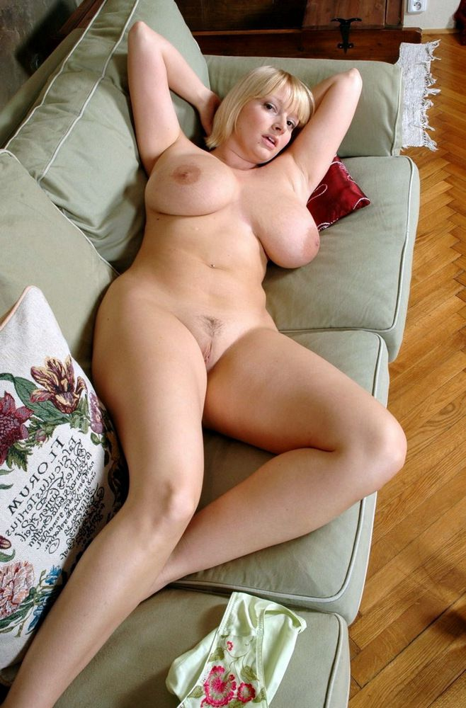 Killer mature housewives with huge..