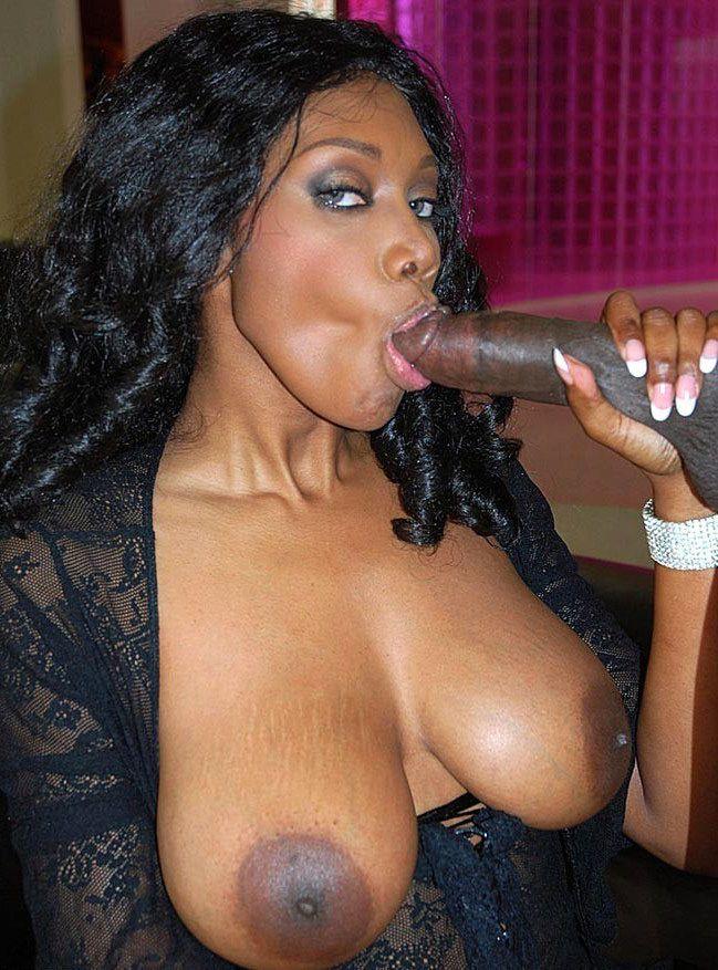 Huge-boobed ebony Mummy Nyomi Banxxx..