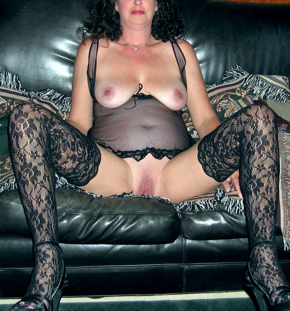 Bare mature housewives pictures from..