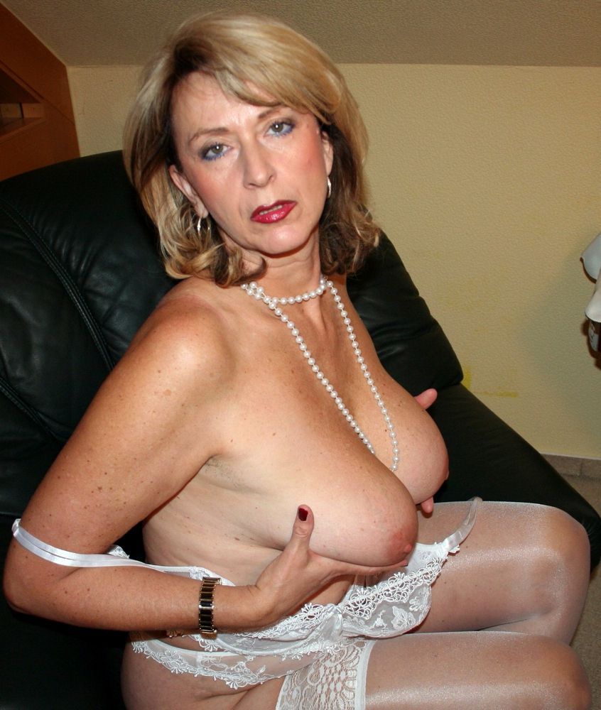Highly hefty and highly petite mature..