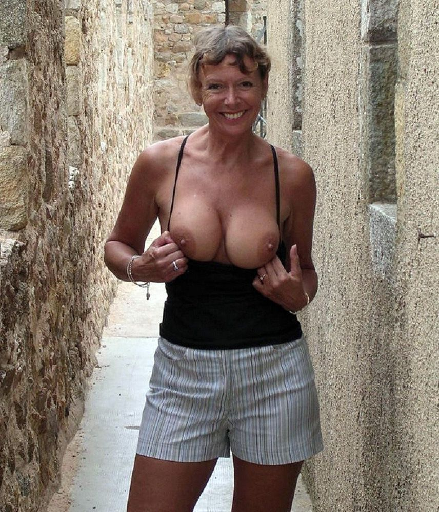 Mature damsels nudists which brags of..