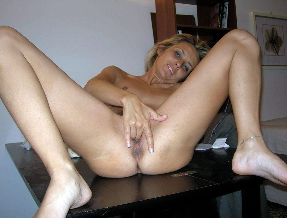 Cream colored mature pussy, old broads..