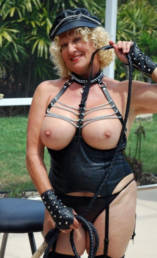 Mature hoes in fetish spandex clothes