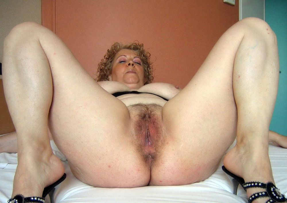 Creampied mature poons just after..