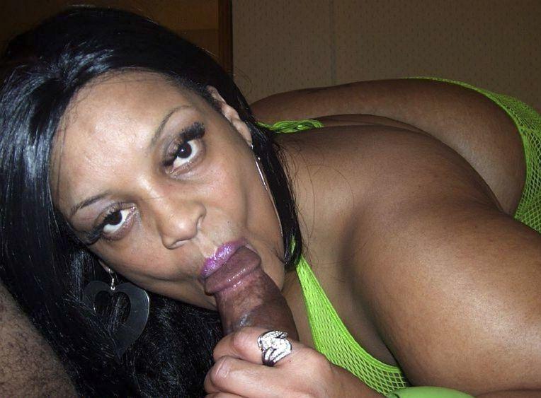 Obese ebony  Farrah Fox throating..