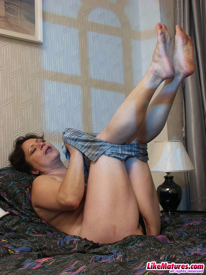 Insatiable lonely ex-wife takes..