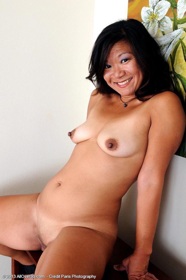 Joy lovin super-sexy mature Samantha..