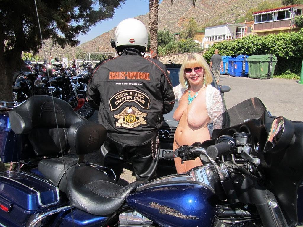 Biker wants to drill my wifey