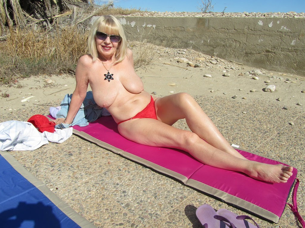 Summer vacation in a naturist camp