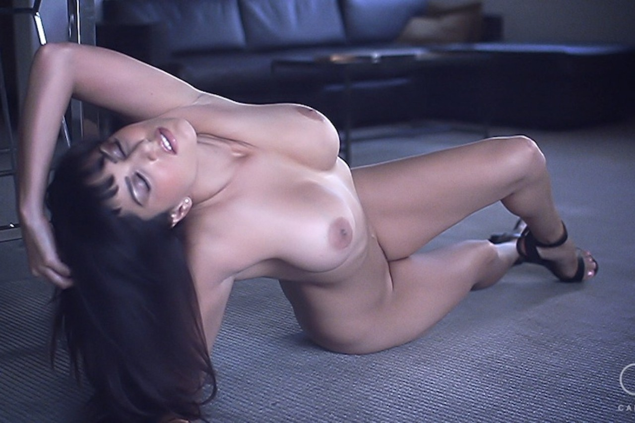 Enrapturing indian stunner has  tits,..