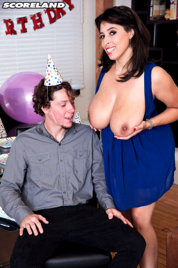 Brown-haired Mummy Elle tempts a..