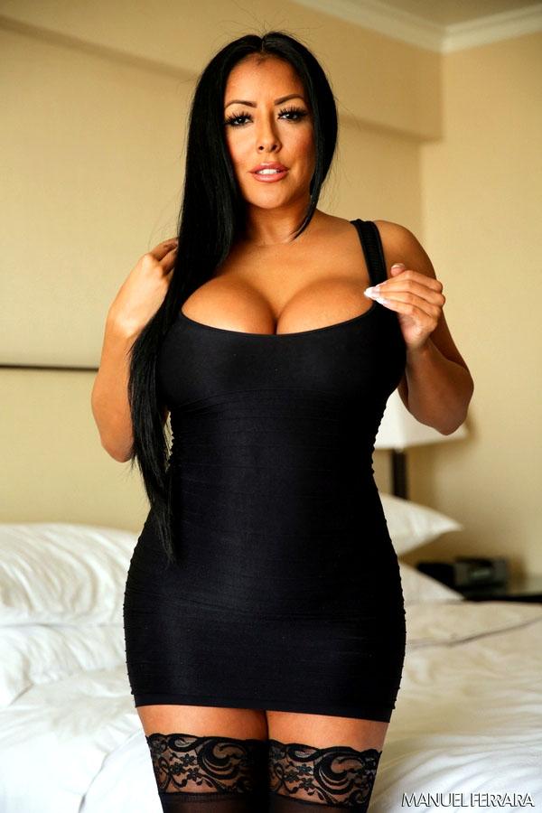 Latina Kiara's tits are so huge, she..