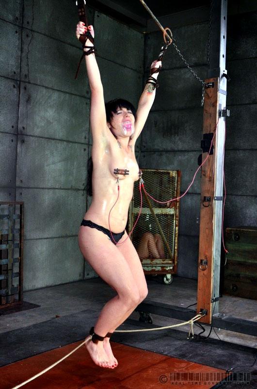 Sexy fuck-fest marionette Mummy..